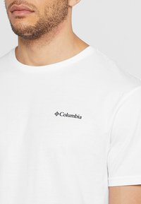 Columbia - NORTH CASCADES™ SHORT SLEEVE TEE - Printtipaita - white/black - 3