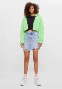 Bershka - MIT KAPUZE - Fleece jacket - green - 1