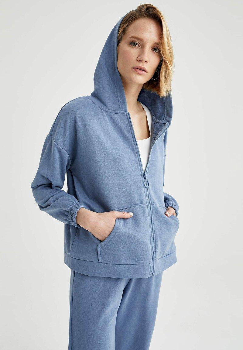 DeFacto - Zip-up hoodie - blue