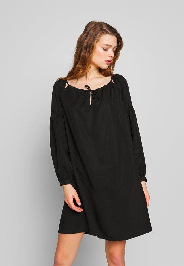 ARIZONA PEEK A BOO DRESS - Vapaa-ajan mekko - black