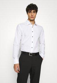 Seidensticker - BUSINESS KENT PATCH - Formal shirt - weiß - 0