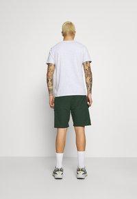 Wood Wood - OLLIE - Shorts - dark green - 2