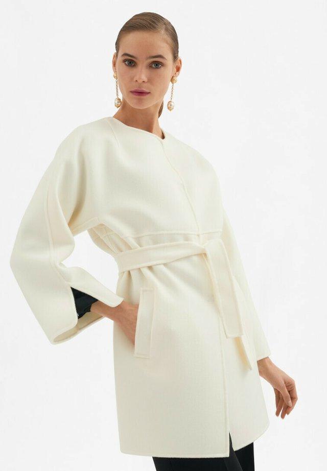 Classic coat - panna