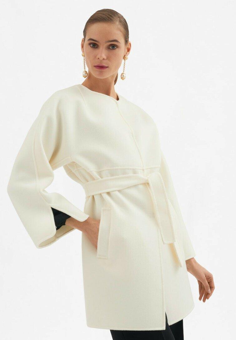 Luisa Spagnoli - Classic coat - panna