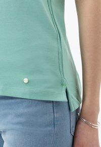 BRAX - STYLE CLEO - Polo shirt - jade - 4