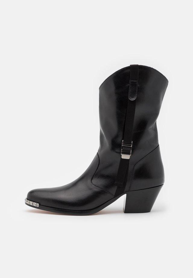 SHORT BOOT - Kovbojské/motorkářské boty - nero