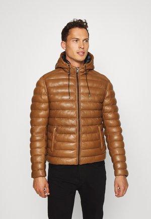 WARMER - Leather jacket - cognac