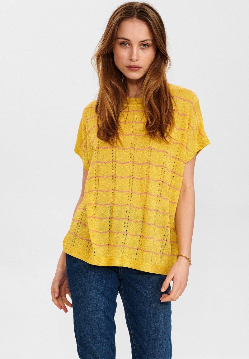 Nümph - NUDARLENE DARLENE - Print T-shirt - snapdragon