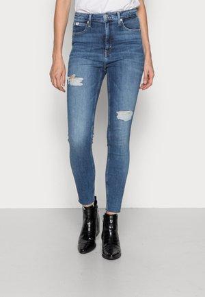 HIGH RISE SUPER ANKLE - Skinny džíny - denim medium