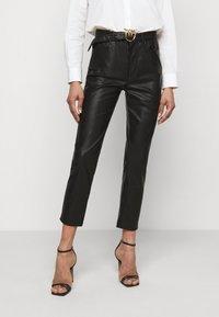 Pinko - SUSAN TROUSERS - Spodnie materiałowe - black - 0