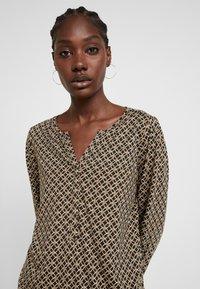 Soyaconcept - FELICITY - T-shirt à manches longues - golden brown combi - 4