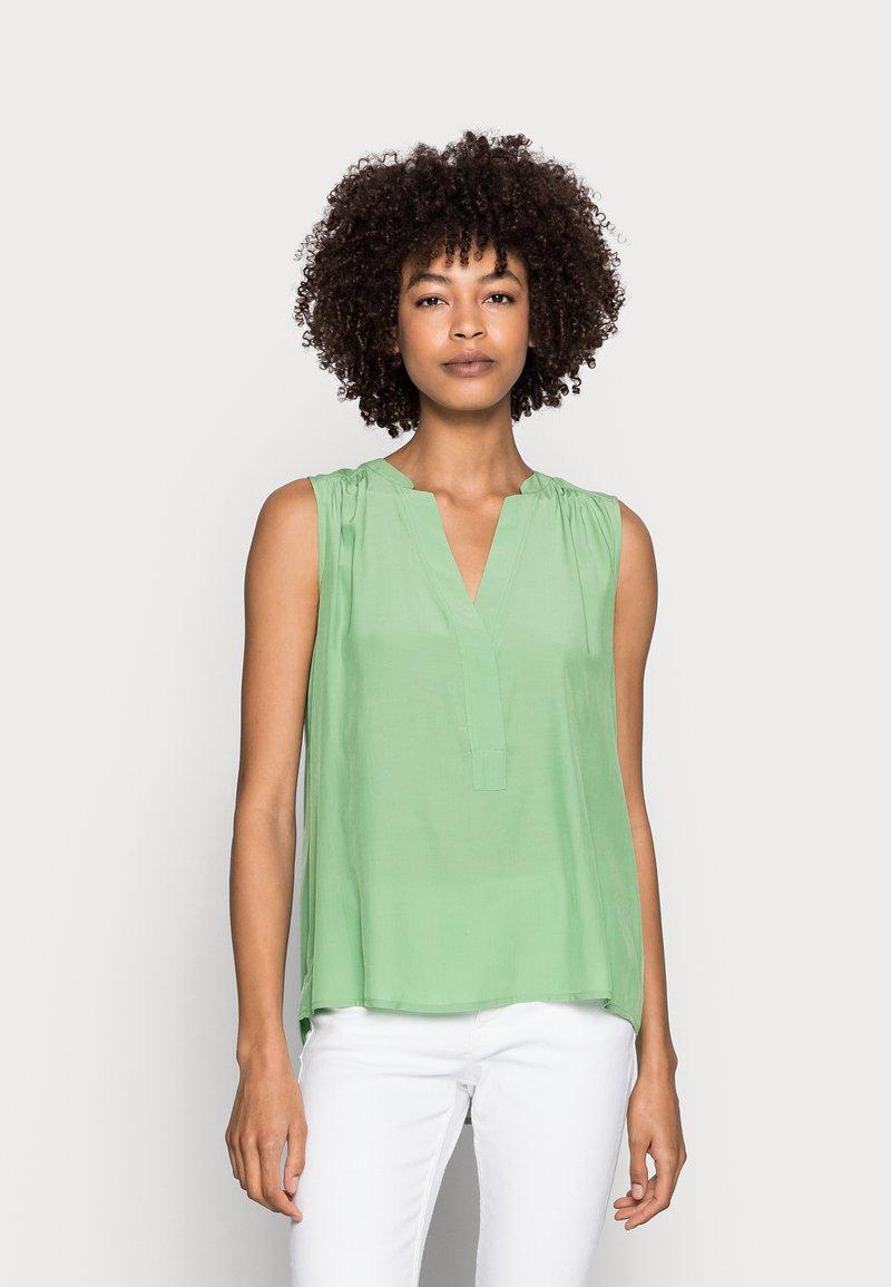 Esprit - BLOUSE - Top - leaf green