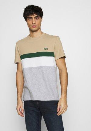 T-shirt con stampa - argent chine/farine/vert/viennois