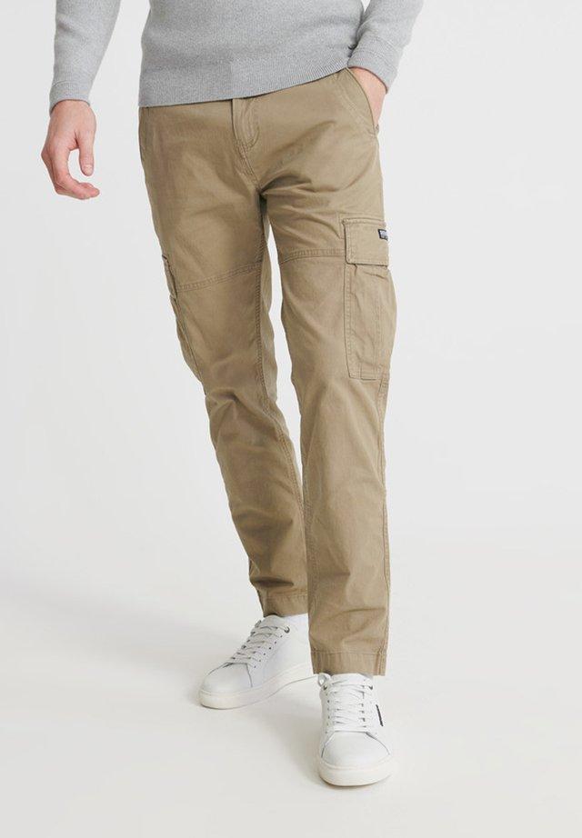 SUPERDRY CORE CARGO PANTS - Cargo trousers - dress beige
