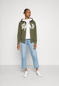 GAP - Zip-up hoodie - army green - 1