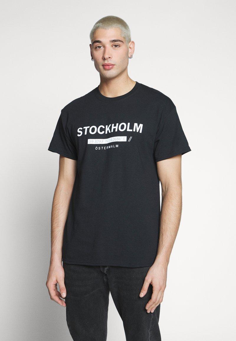 New Look - STOCKHOLM PRINT TEE - T-shirt z nadrukiem - black