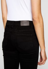 CLOSED - BAKER  - Slim fit jeans - black - 3