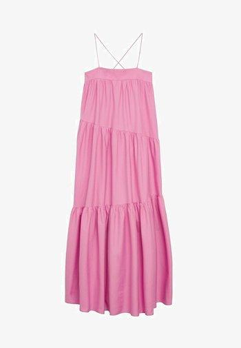 MIT RÜSCHEN - Długa sukienka - rosa