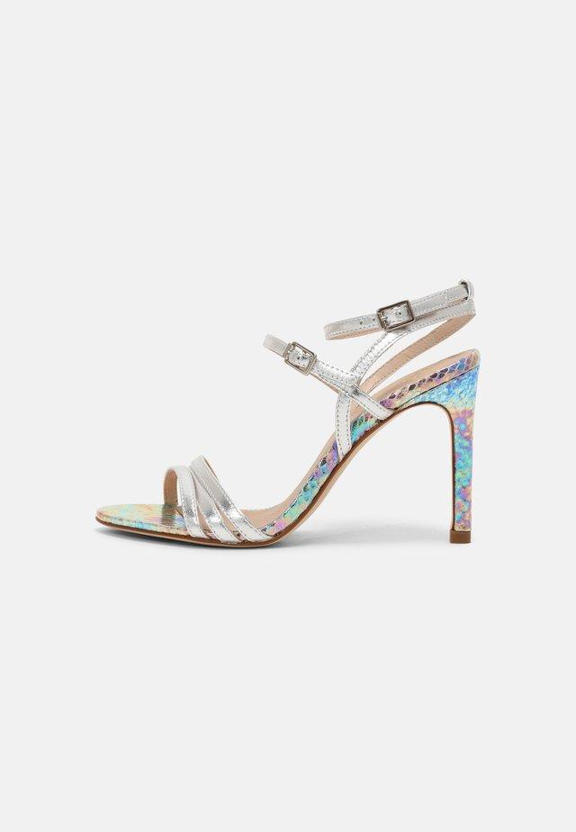 ARLINA - Sandály na vysokém podpatku - argent