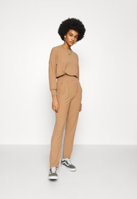New Look - ELASTIC HEM SET - Sweatshirt - camel - 1