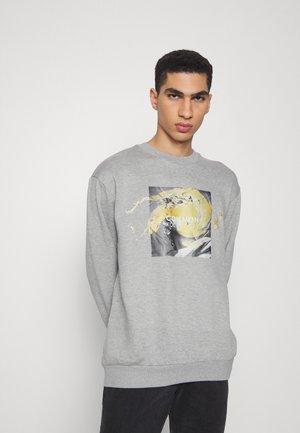 PORTRAIT CREW UNISEX - Sweatshirt - grey