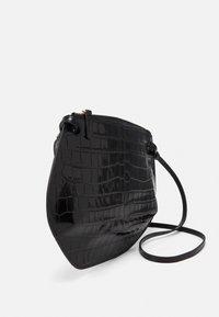 Little Liffner - PEBBLE CROSSBODY - Across body bag - black - 3