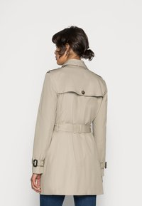 Tommy Hilfiger - HERITAGE SINGLE BREASTED - Trench - medium taupe - 2