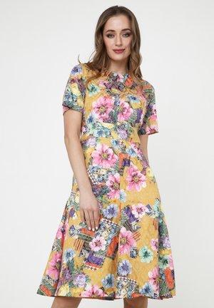 Day dress - senf, rosa