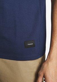 Nominal - REAL TEE - T-shirt - bas - navy - 5