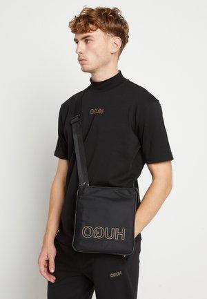 ZIP - Across body bag - black
