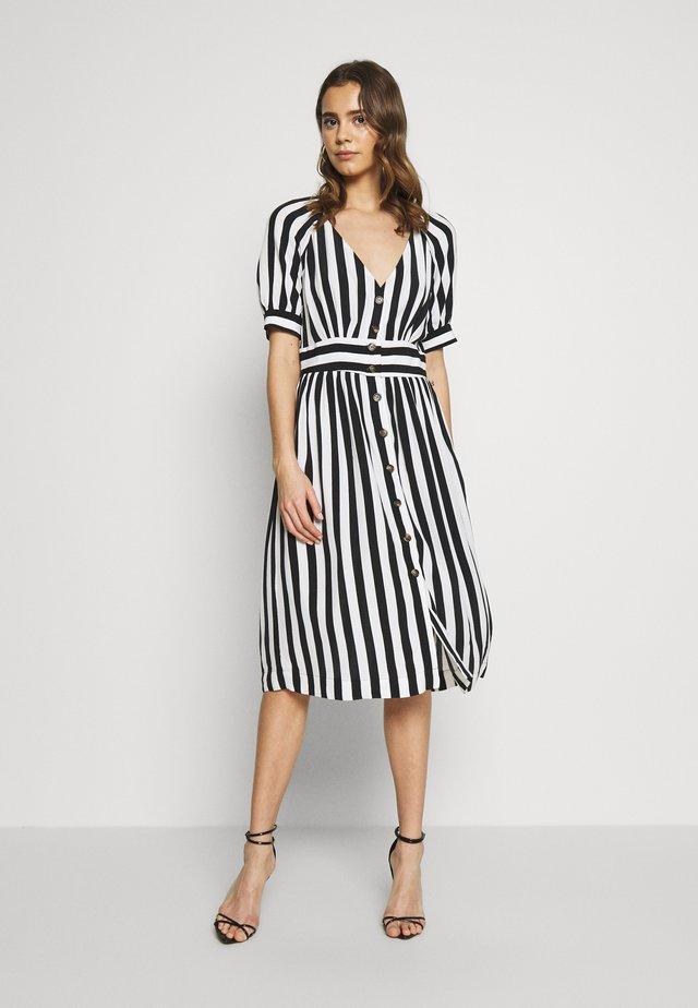 VISUSASSY DRESS - Day dress - white alyssum/black