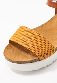 Grand Step Shoes - EDEN - Platform sandals - whiskey/sun - 2