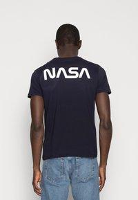 Alpha Industries - T-shirt med print - blue - 2
