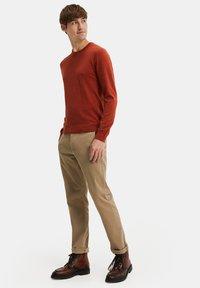 WE Fashion - Trui - rust brown - 1