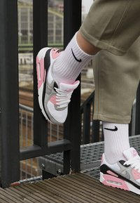 Nike Sportswear - AIR MAX 90 - Sneakers laag - white/particle grey/rose/black/light smoke grey - 4