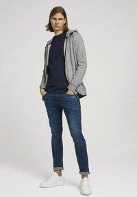 TOM TAILOR DENIM - Zip-up sweatshirt - grey - 1