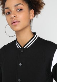 Urban Classics - LADIES INSET COLLEGE JACKET - Mikina na zip - black/white - 3