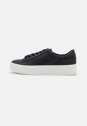 JANIKA - Zapatillas - black