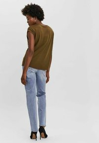 Vero Moda - T-shirt - bas - dark olive - 2