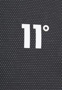 11 DEGREES - DEJA VU JOGGERS REGULAR FIT - Teplákové kalhoty - black - 2