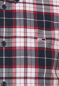 Tommy Jeans - STRETCH CHECK POPLIN  - Skjorta - red/white/dark blue - 2