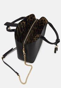 Steve Madden - TOTE - Handbag - black - 2