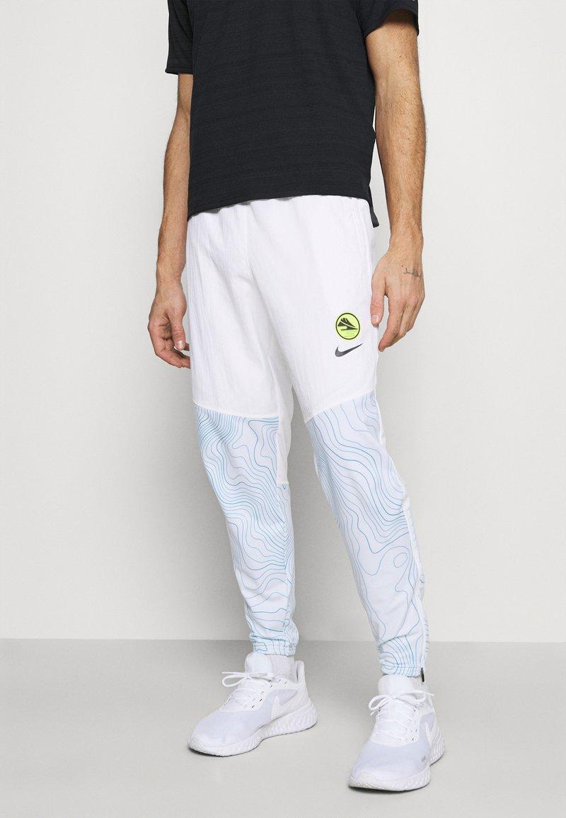 Nike Performance - ESSENTIAL THERMA PANT EKIDEN - Pantalones deportivos - white/black