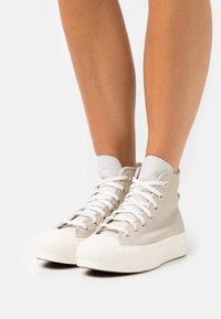 Converse - CHUCK TAYLOR ALL STAR LIFT - Sneakers hoog - string/pale putty/egret - 0