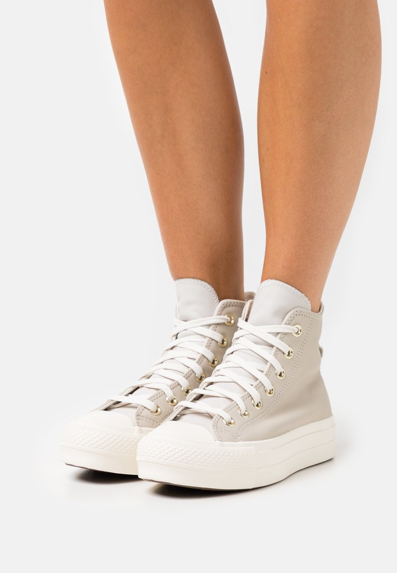 Converse - CHUCK TAYLOR ALL STAR LIFT - Sneakers hoog - string/pale putty/egret