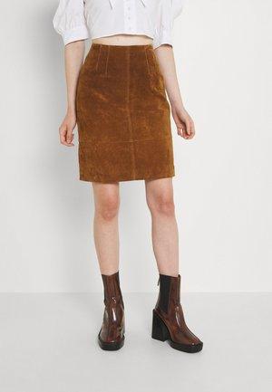 VIFAITH NEW SKIRT - Leather skirt - oak brown
