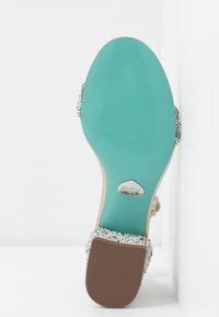 Blue by Betsey Johnson - MARI - Sandály - champagne - 6