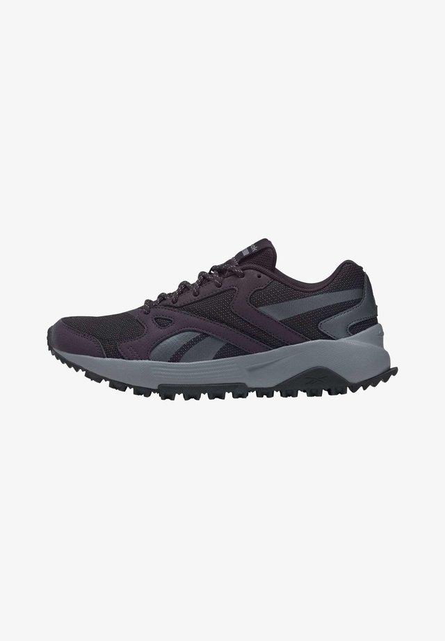 LAVANTE TERRAIN SHOES - Hiking shoes - red