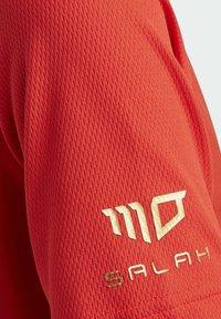 adidas Performance - SALAH FOOTBALL INSPIRED T-SHIRT - Print T-shirt - red - 4