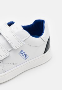 BOSS Kidswear - TRAINERS - Trainers - electric blue - 5